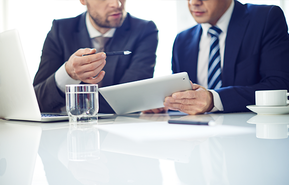 ¿Quién debe administrar la gestión de cambio en proyectos de TI?