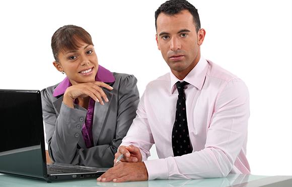 Los Pros y Contras de considerar la TI como una empresa dentro de una empresa